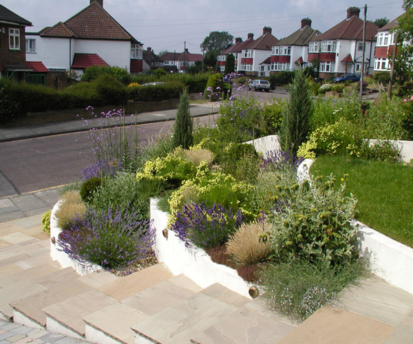 Landscaping front garden ideas uk for Garden designs uk