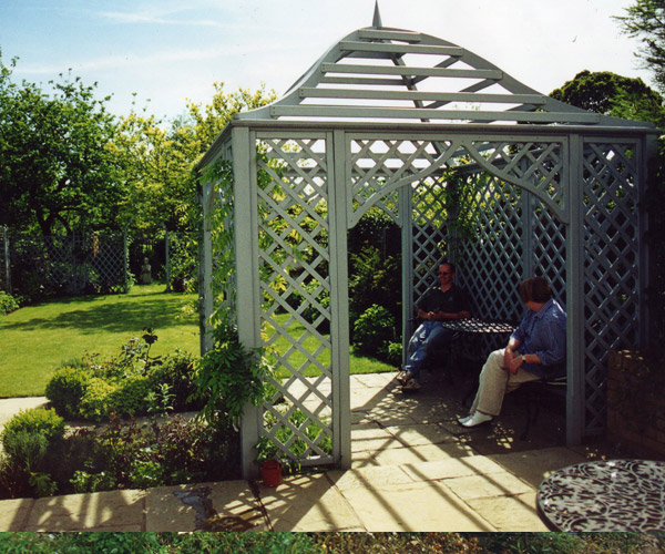 Various garden structures millhouse landscapes for Outdoor structures