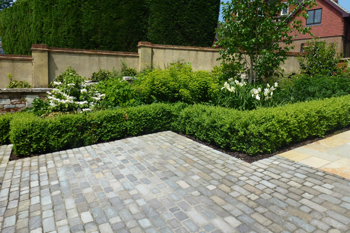 Small Front Garden Ideas Uk Google Search Front Garden - Front garden driveway ideas uk