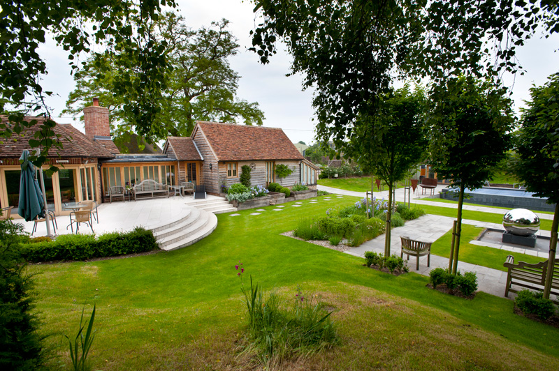 Farmhouse garden millhouse landscapes for 1000 designs for the garden and where to find them