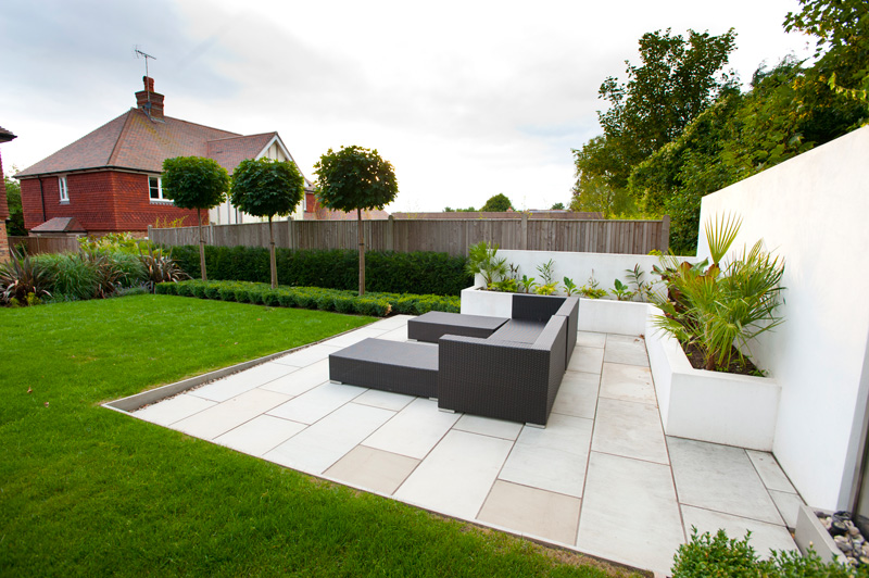 Garden seating area kent millhouse landscapes for Garden sit out designs