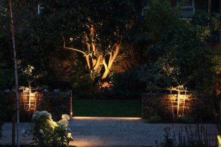 Outdoor_Courtyard_Lighting